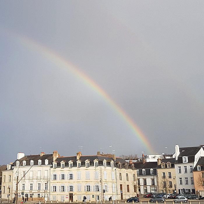 Caroline Hegoburu, thérapeute integrative transpersonnelle à Vannes, Paris et à distance via Skype.